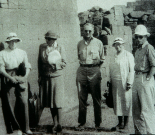 Marion Dunham, black and white photo of Mrs. Charles Burney, Dows Dunham, Rosalind Moss and Jack Cooney at Philae